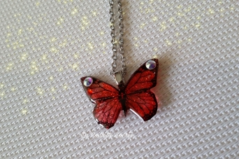 Le Collier Papillon Rouge